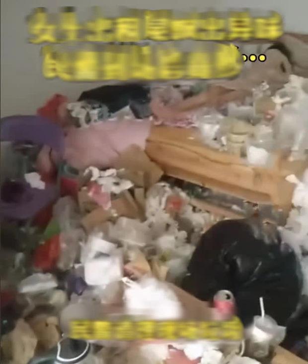 Phòng trọ nữ sinh bốc mùi hôi đáng sợ, chủ nhà lo lắng phá cửa thì chứng kiến cảnh kinh hoàng